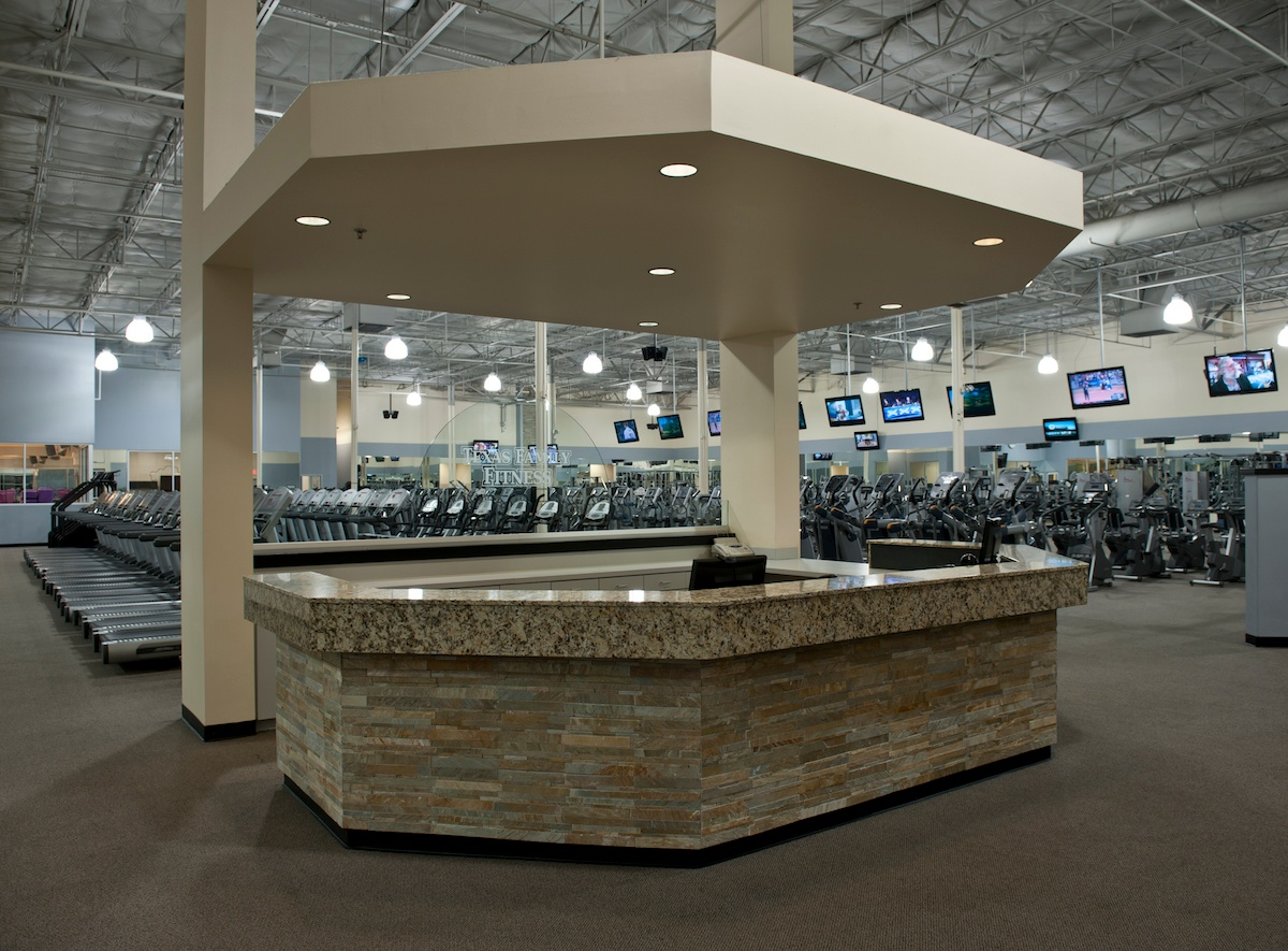 Texas Family Fitness Plano Front Desk